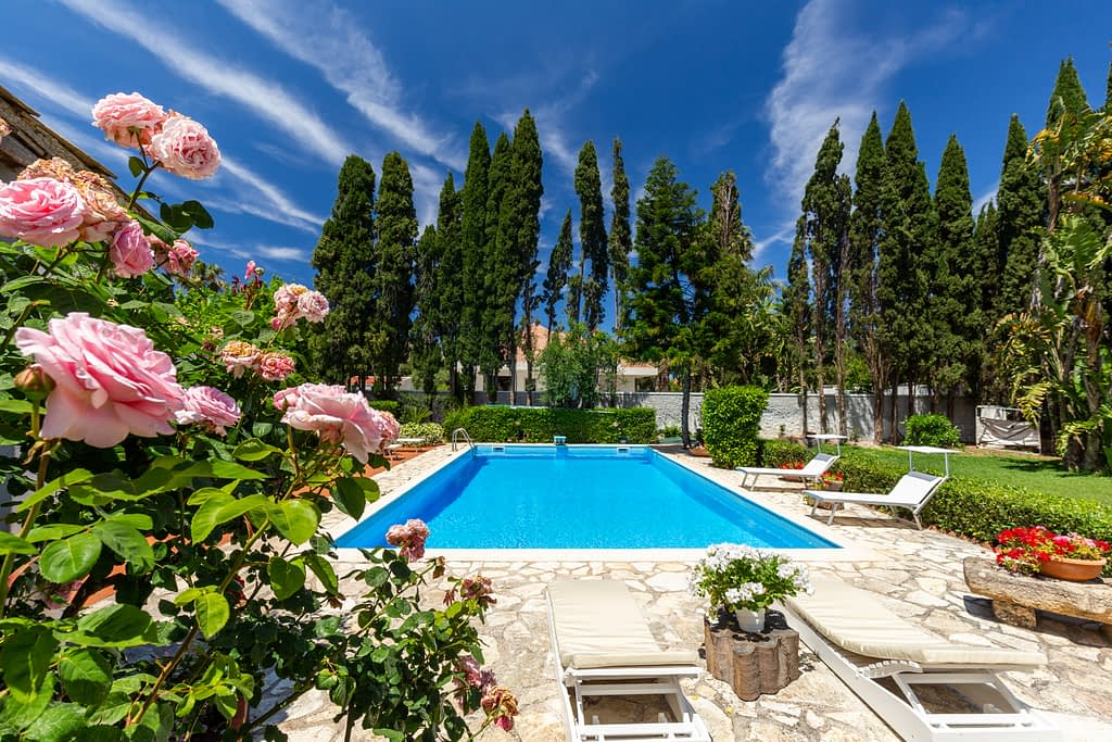 Foto di villa con piscina a Palermo